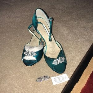 NEW Angela Nuran wedding shoes in Teal. Size 9